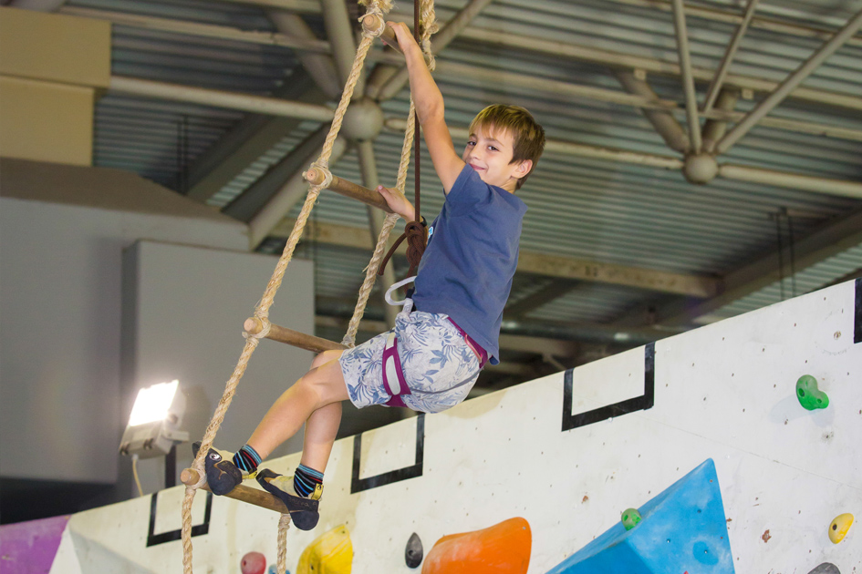 oaka_kids_climbing_article2